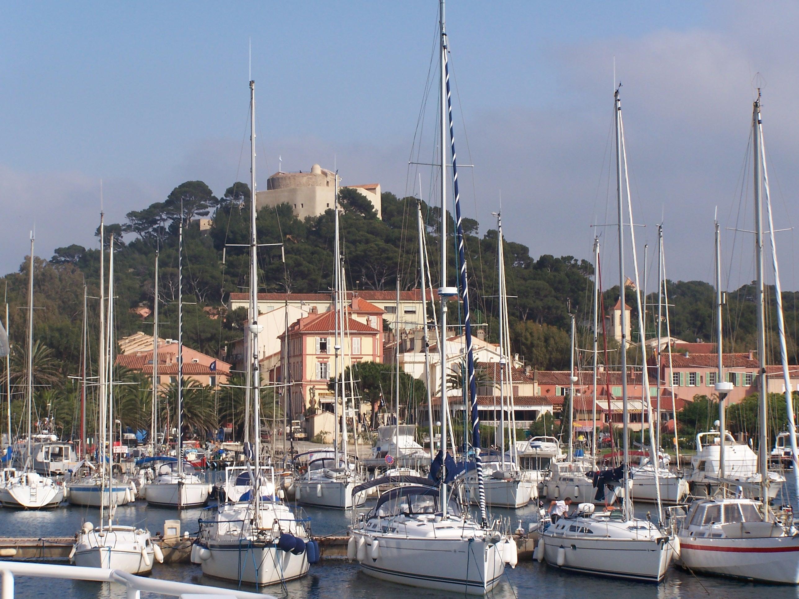 Port de Porquerolles avant d'arriver à La Bécane